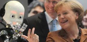 ICUB Joue avec Angela