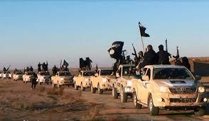 Les combattants de Daech sont pourtant faciles à repérer lorsqu'ils se déplacent dans le désert!